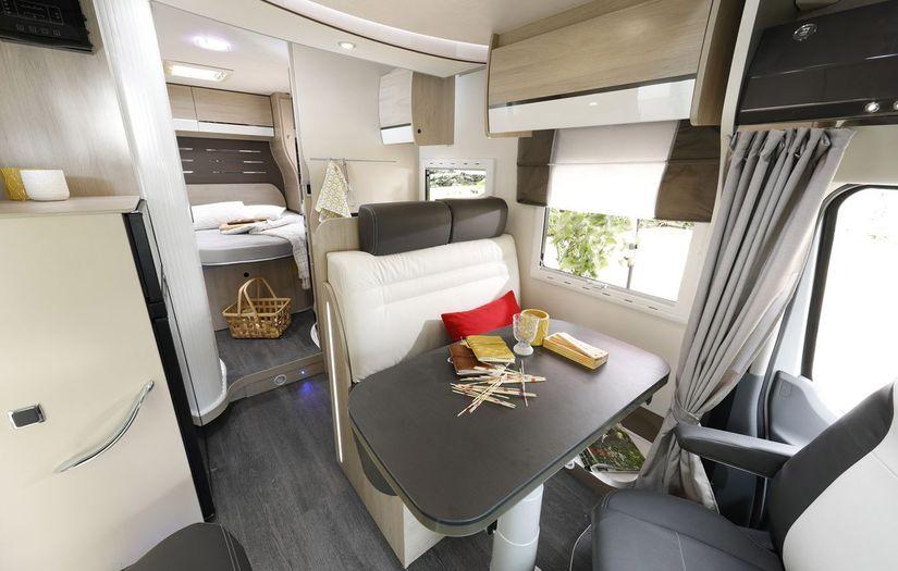 location de camping car 2018 strasbourg. Black Bedroom Furniture Sets. Home Design Ideas
